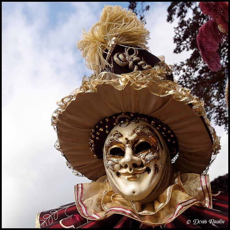 Carnaval vénitien d'annevoie 2012 Venitiens3